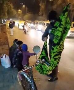 blankets for roadside people